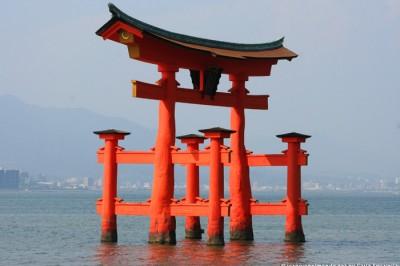Torii rosso - Miya jima   Giappone