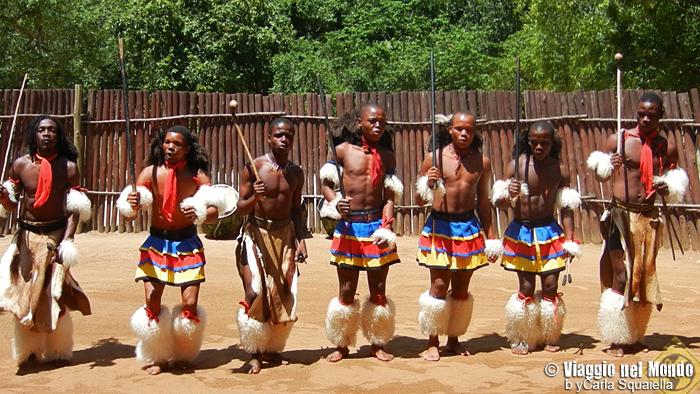 Swaziland, Ezulwiny Valley - Sibhaca Dance