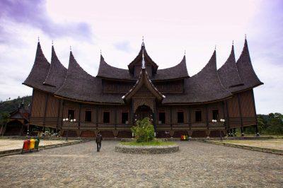 Sumatra, palazzo Minangkabau