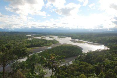 Rio Pastaza vicino a Puyo, Ecuador