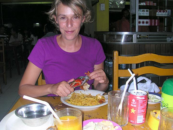 Banda Aceh, gli spaghetti col granchio