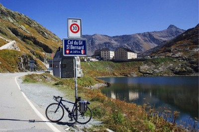 valle d'aosta in moto