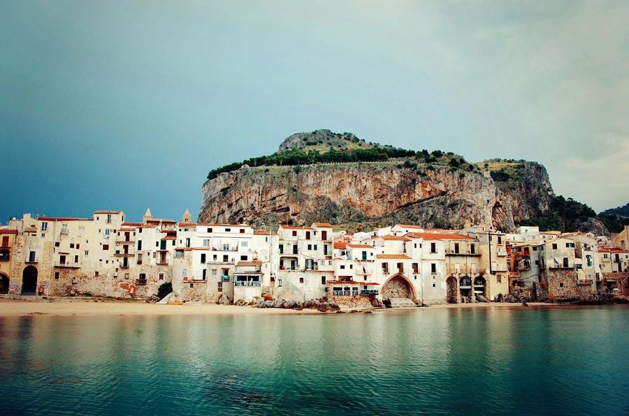 Ceflù, Sicilia