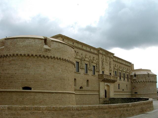 castello medievale corigliano d'otranto