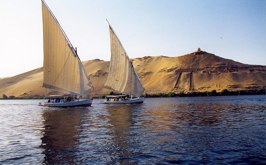 In feluca sul Nilo