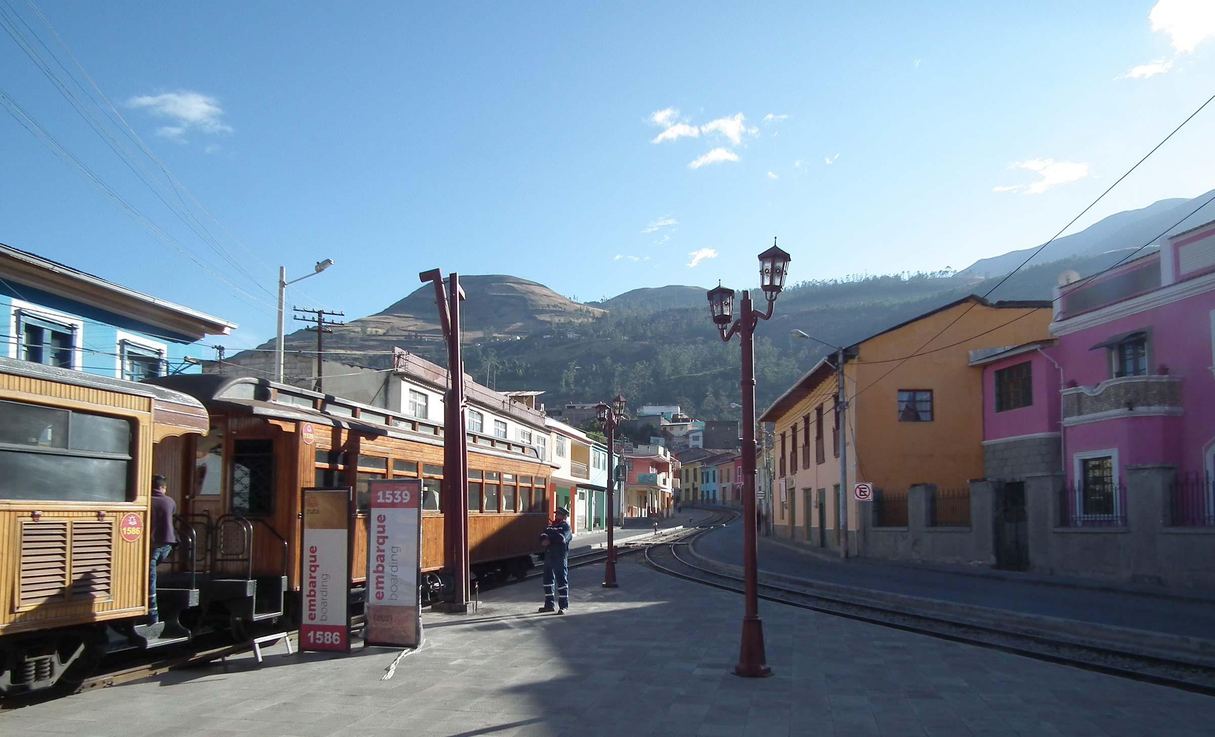 Ecuador, Treno Nariz del Diablo Ande Alausì