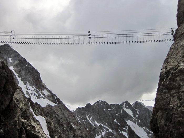 ponte sospeso val camonica