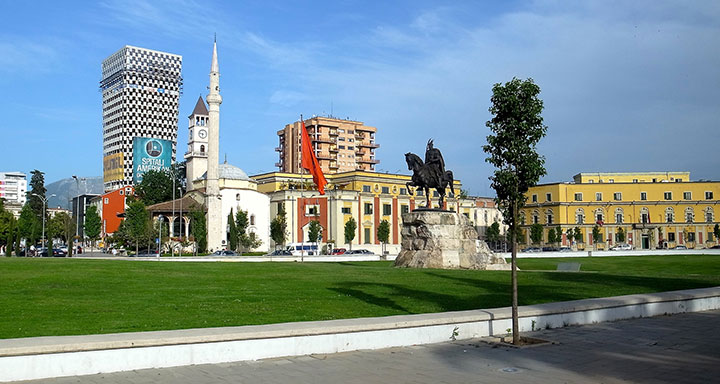 tirana, piazza skanderberg