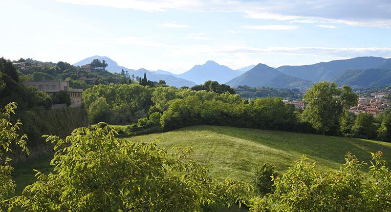 Vista sulle Orobie da Bergamo Alta