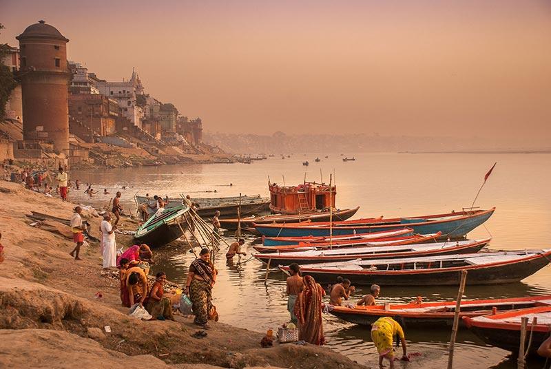 Varanasi e il fiume al tramonto