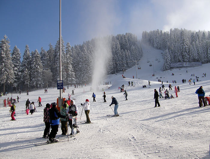 Borovets, sciare in Bulgaria