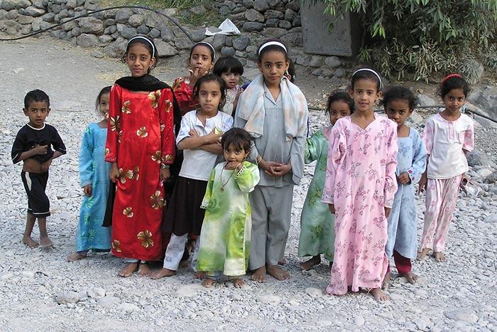Oman, Children in Wadi Bani Awf