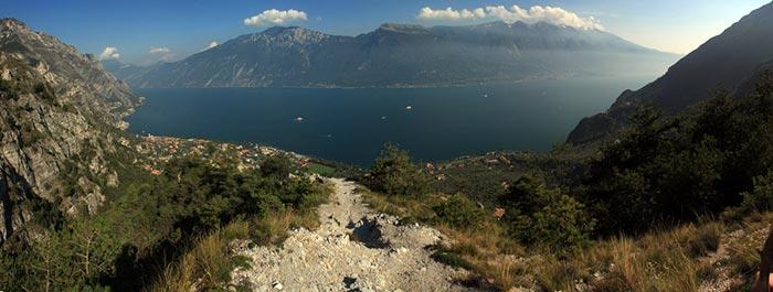 Panorama su Limone e Lago di Garda