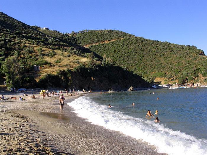 spiaggia kalamos