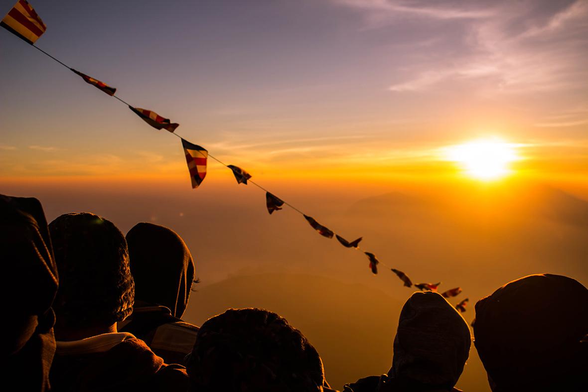 Alba sull'Adam's Peak Sri Lanka