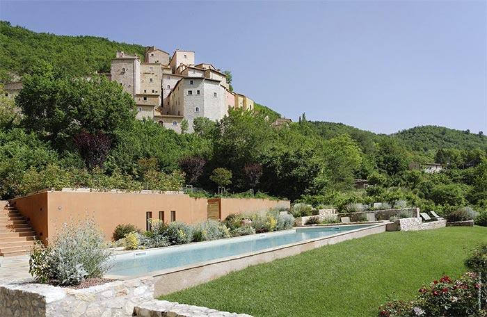 Castello di Postignano, Umbria