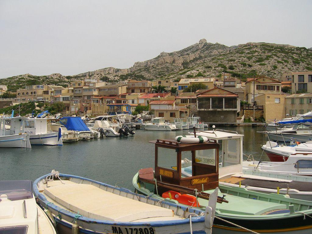 Il porto di Les Goudes a Marsiglia