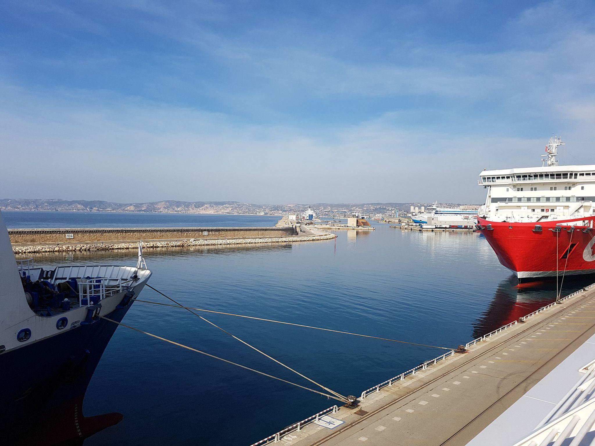 Porto della Joliette a Marsiglia