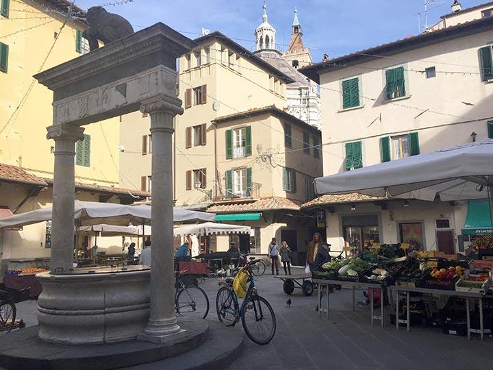 Pistoia, Piazza-della-Sala
