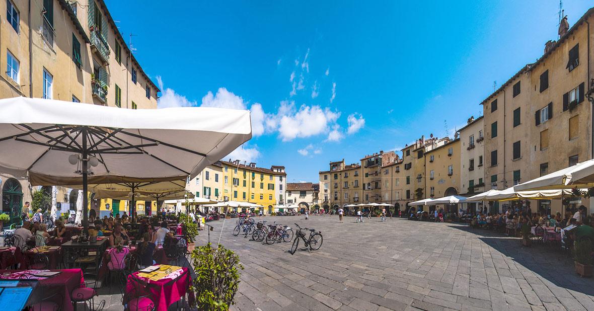 Lucca, Piazza dell'anfiteatro