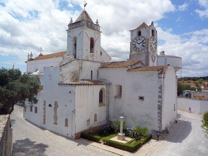 Una chiesa a Tavira