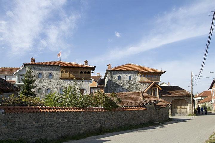 Junic, Kosovo