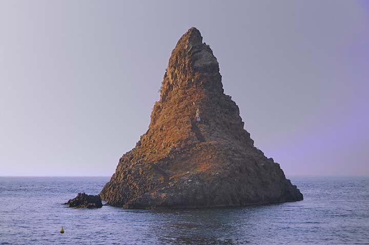 Aci Trezza, Isole dei Ciclopi